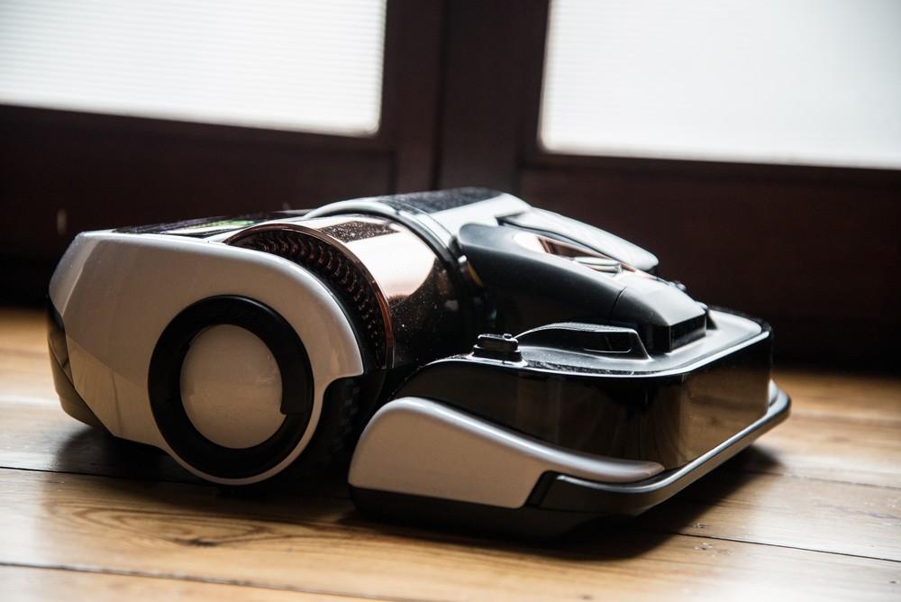 Les robots-aspirateurs ont gagné en puissance, en élégance et en autonomie. - © E.F.