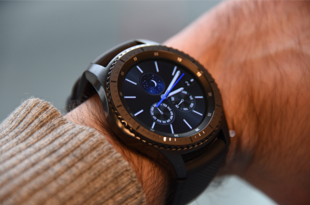 Il est toujours possible de personnaliser l'écran de sa montre avec plusieurs dizaines de watchfaces - Crédit photo : E.F.