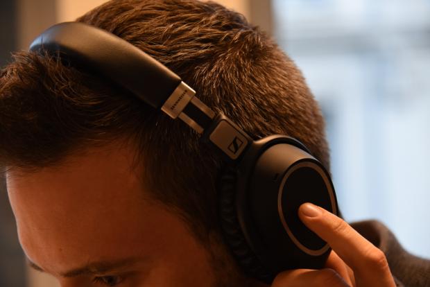 Elégant, le nouveau casque de Sennheiser est également très ergonomique - Crédit photo : E.F.