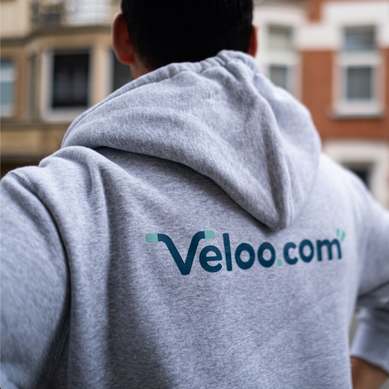 """Michaël Leidensdorf est un bruxellois de 42 ans. """"Amoureux du monde de la tech"""" il est le créateur de Veloo.com, une plateforme dédiée aux vélos d'occasion."""